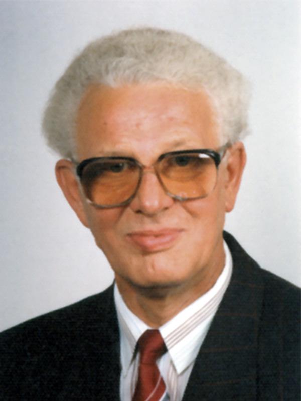 Karl-Heinz Schnee † 2005