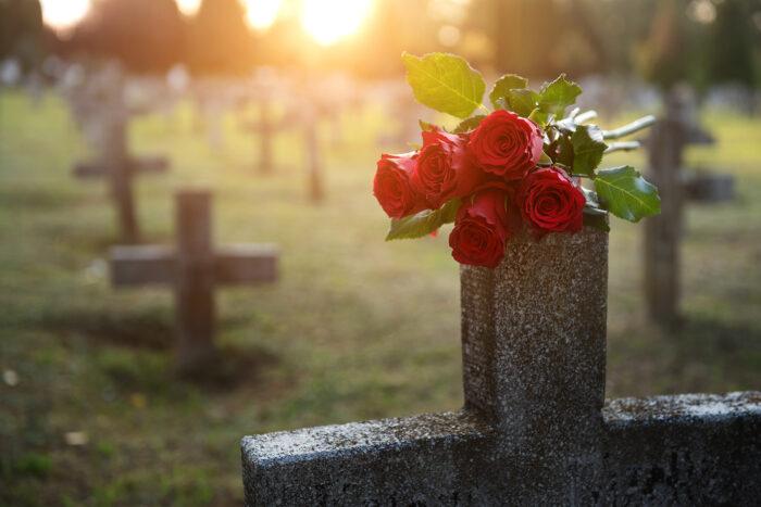 Grabpflege Bestattungshaus Schnee